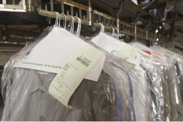 Laundry Cleaning vs Dry Cleaning